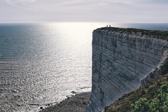 """Featured image for """"Edge-Rechenzentren: Was sind die Vorteile der Edge? …und die Nachteile?!"""""""